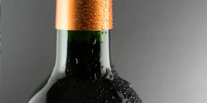 ¿Cómo enfriar el vino lo más rápido posible?