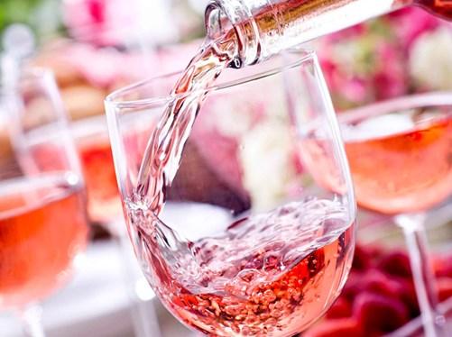 Todo lo que necesitas saber sobre el vino rosado